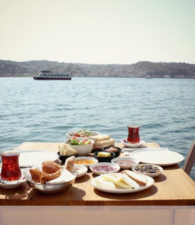 İstanbul'da Boğaz'da Kahvaltı Yapabileceğiniz Yerler The House Cafe