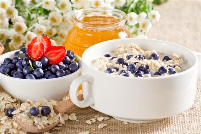 Yaban-Mersini-Yulaf-Soya-Sütü-Bal-Kahvaltı