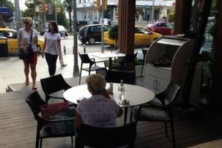 Cafe Divan Pub, Erenköy