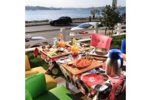 Hollywoodcity'in Keyifli Ambiyansında Güne Enerjik Başlamak İsteyenler İçin Açık Büfe Kahvaltı, Kahvaltı Tabağı veya Serpme Köy Kahvaltısı