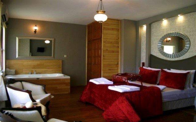 Ağva Villa Pine Garden Hotel'de Huzur ve Keyfi Bir Arada Bulacağınız Jakuzili ve Şömineli Oda Seçenekleri
