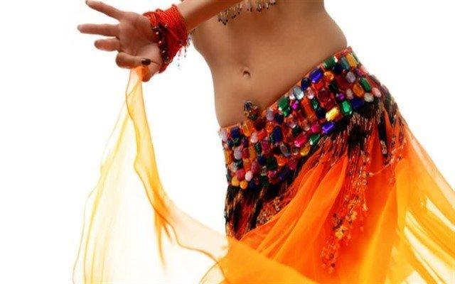 Hem Çok Eğleneceksiniz Hem De Profesyonel Oryantal Dans Eğitimi Alacaksınız