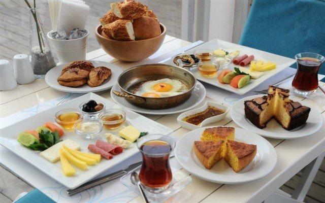 Kadıköy Beyaz Konak'ta 2 Kişilik Kahvaltı Keyfi!