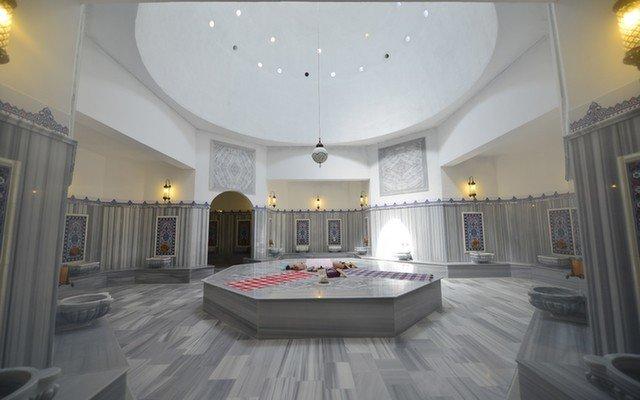 Külliye Hamam'da Bayanlara Özel, Derinlemesine Rahatlatıcı Masaj Seçenekleri ve Hamam Kullanımı