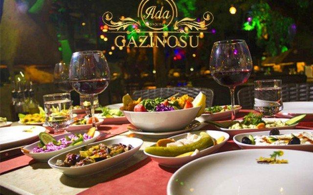 Ada Gazinosu'nda Sevgililer Gününe Özel Akşam Yemeği ve O Ses 'Esra Akman' Sahnesi