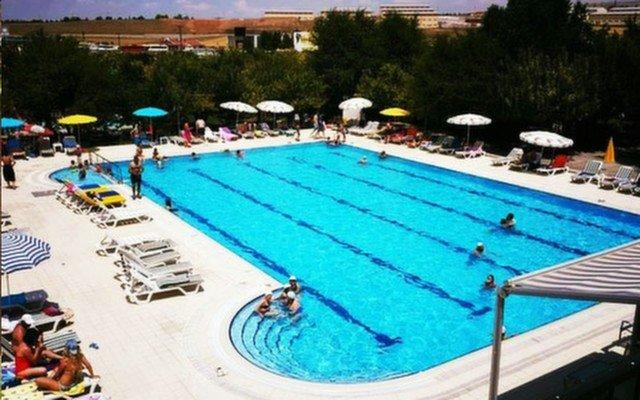 Gölbaşı Gold & Garden'dan Sıcak Havadan Bunalanlar İçin Hafta İçi ve Hafta Sonu Havuz Kullanımı